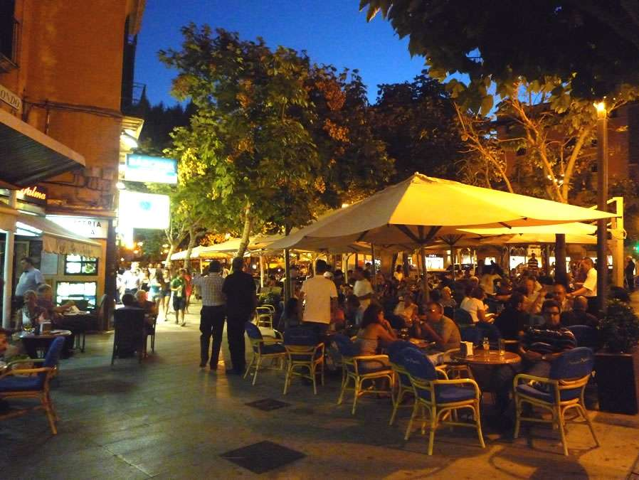Cafe night